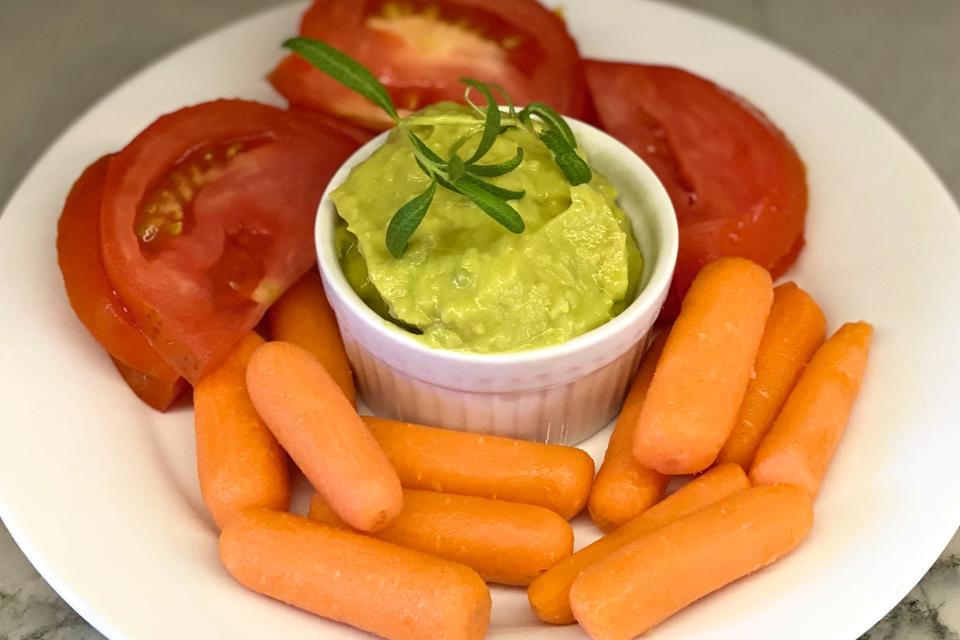 Easy Guacamole Hummus Recipe: 2 Thumbs Up for This Avocado, Rosemary & Lemon Hummus Recipe