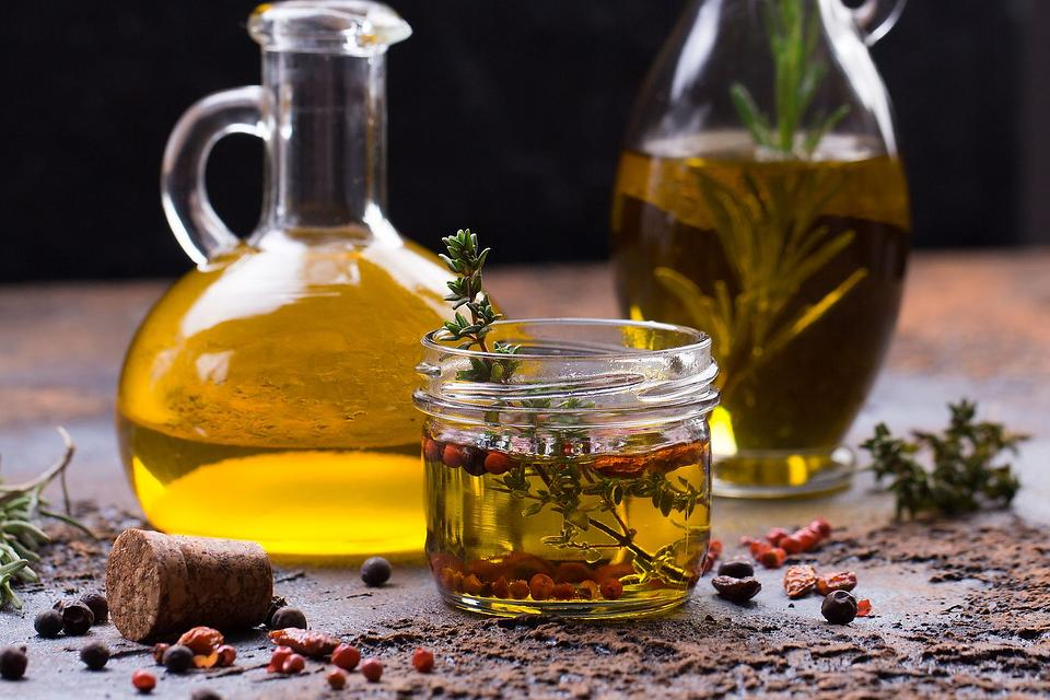 Easy Infused Oil Recipe: How to Make Flavored Oils in Less Than 10 Minutes