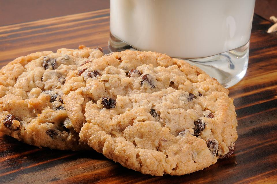 Easy Oatmeal Raisin Cookie Recipe: If Your Kids Won't Eat Oatmeal, Give Them Oatmeal Cookies Instead