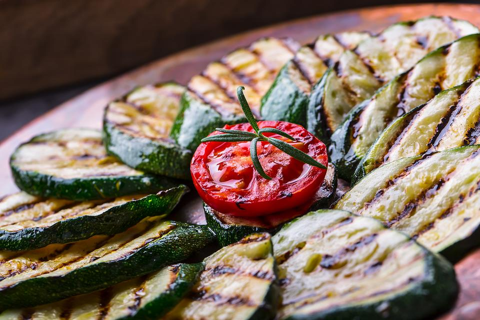 Grilled Side Dish Recipes: How to Make Zesty Grilled Zucchini!