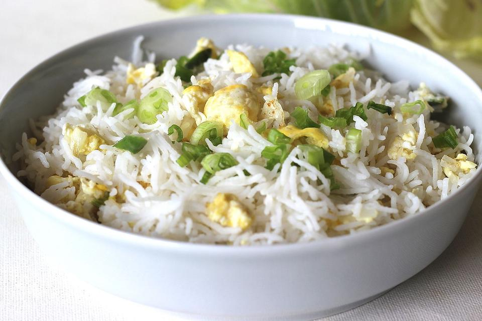 Egg Fried Rice Recipe: This Indian-Style Egg Rice Recipe Is in Your Bowl in Less Than 10 Minutes