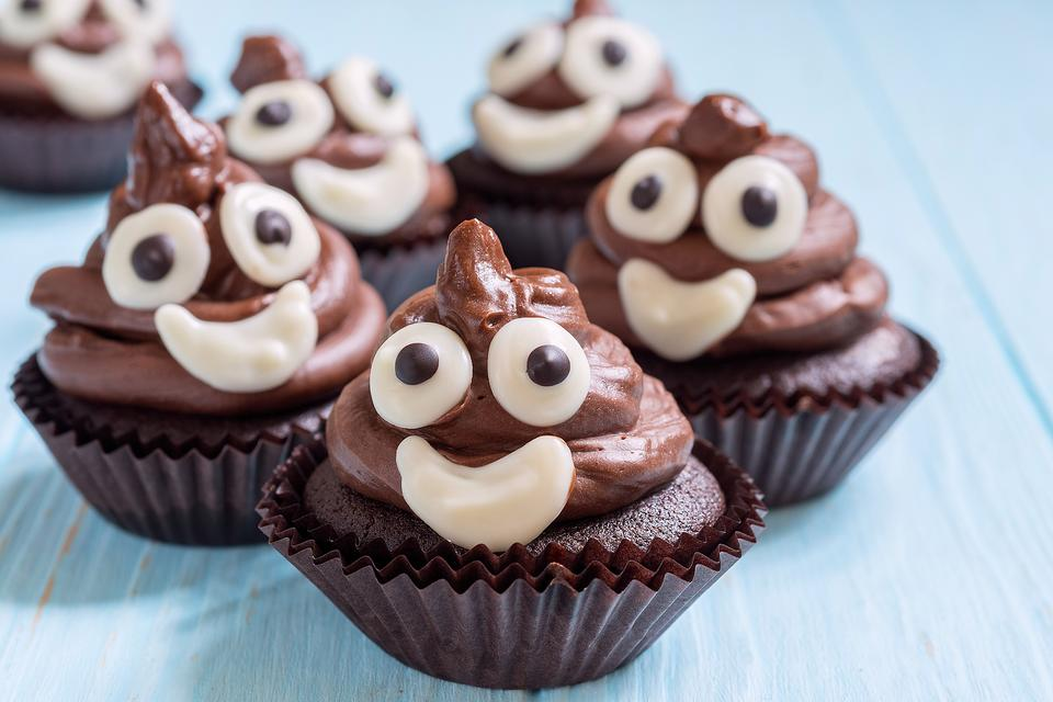 "Kids Love ""The Emoji Movie""? You've Gotta Make Poop Emoji Cupcakes!"