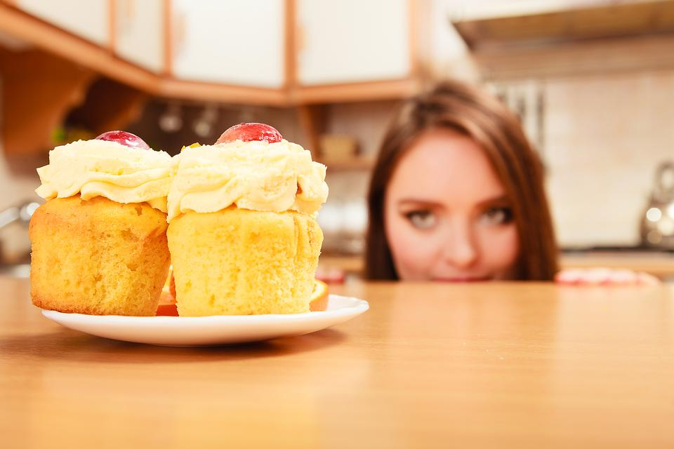 Emotional Eating: Why Cake & Guilt Can Lead to Less Weight Loss