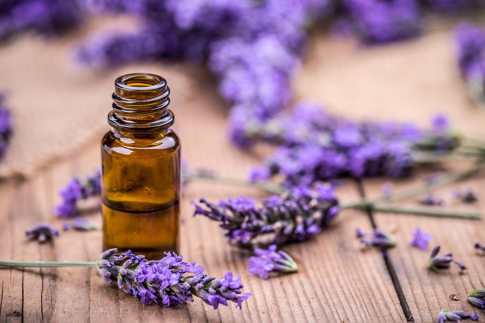 Essential Oils Are Great for Kids' Cuts & Scrapes: Here's Why!