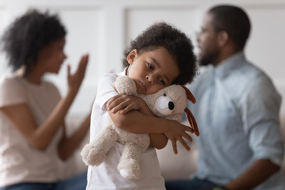 Expert Q&A: I Think My Husband Is a Narcissist, But How Do I Know for Sure & Help My Kids Understand?