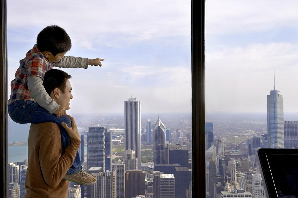 Explore the Windy City: 3 Chicago-Area Attractions for Family Fun!