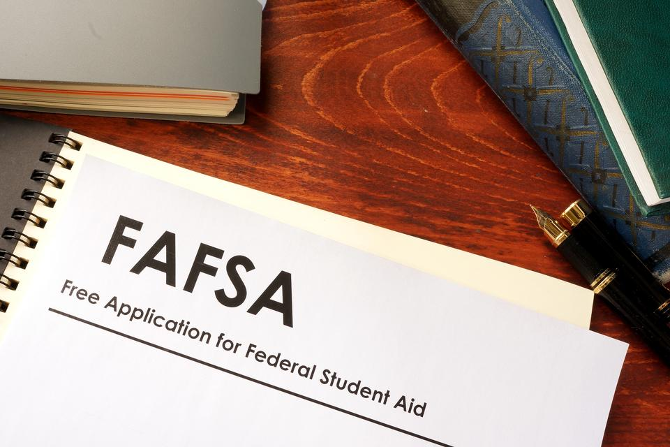 FAFSA: What Parents Need to Know About Filing the FAFSA for Federal Student Aid