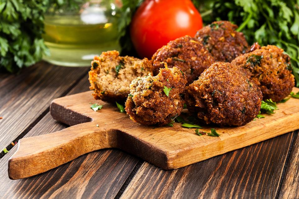 Homemade Falafel: This Authentic Fried Israeli Falafel ...