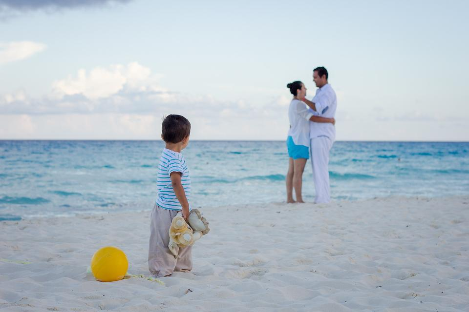 Family Trips: Vacation Is Not a Time to Give Parenting a Break!