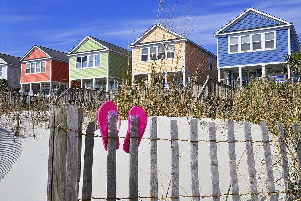 Family Vacation Planning: 4 Reasons Why You Should Consider a Rental Property!