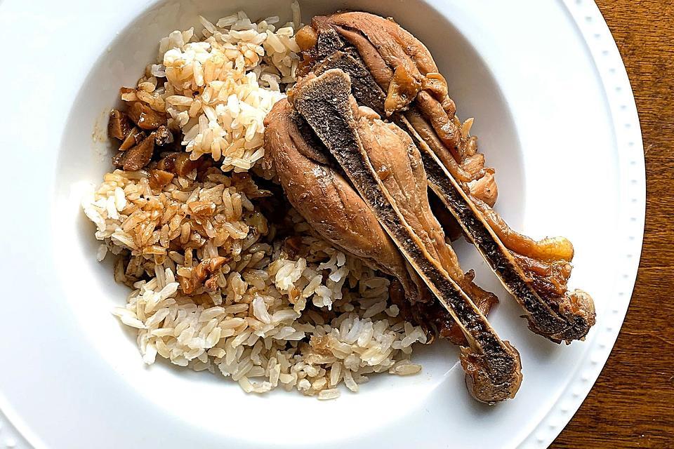 Filipino Adobo Chicken Recipe: Make This Easy Filipino Chicken Recipe for Dinner Tonight