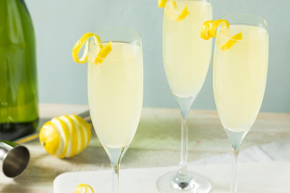 How to Make a French 75 Cocktail (Bring Out the Big Guns This Weekend)