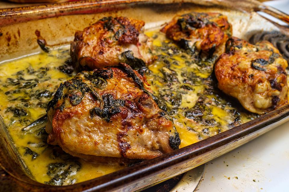 Easy Chicken Recipes: This Garlic & Parsley Butter Baked Chicken Recipe Is Simple & Satisfying