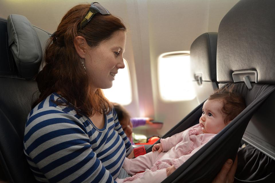 5 Tips Every Parent Must Read Before Traveling by Plane With a Baby!