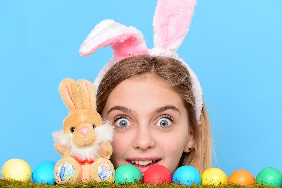 Tweens Bored on Easter? Here's a Fun Way to Keep Them Entertained!