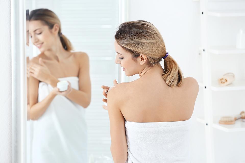 Got Eczema? 4 Tips From a Dermatologist to Help Avoid Winter Eczema Flareups