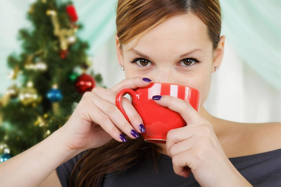 13 Useful Gifts for Coffee & Tea Lovers for a Caffeinated Christmas