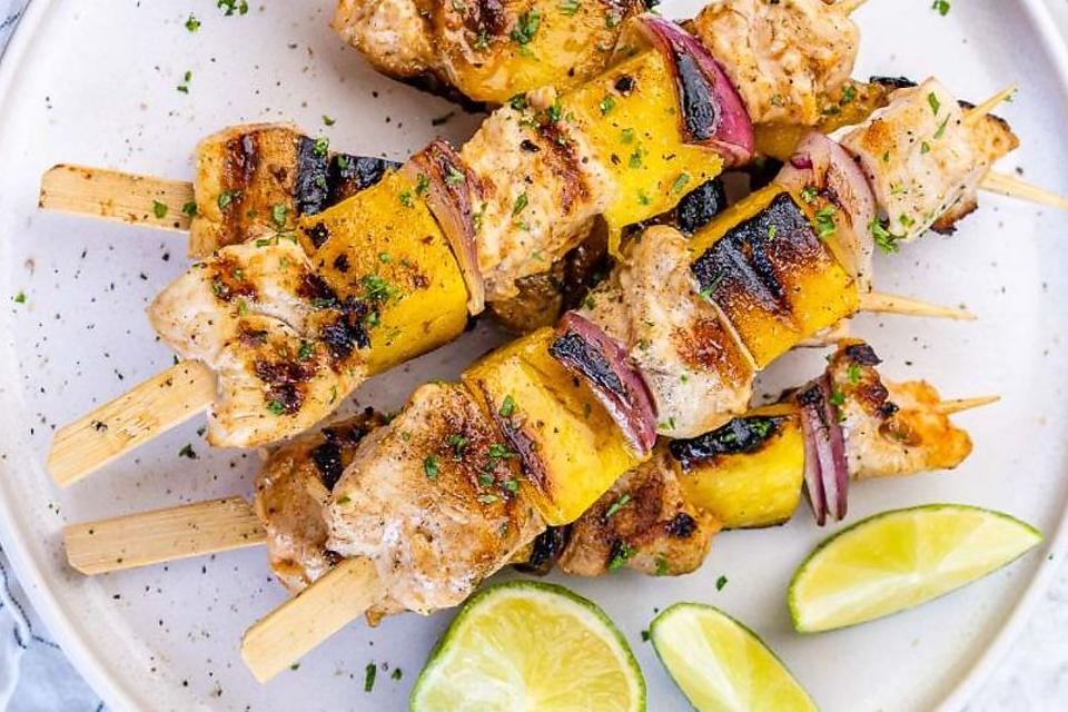 Grilled Chicken & Mango Skewers Recipe: This Mango & Chicken Kebabs Recipe Is Healthy Summer Eating