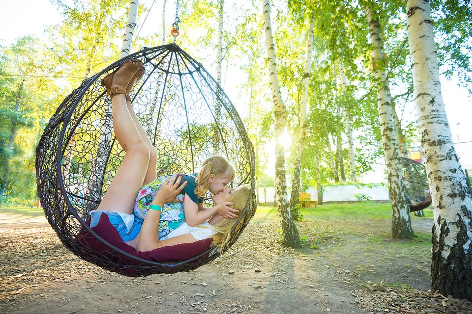 Hanging Swings: Why You Should Consider a Pod, Hammock or Basket Swing for Your Kids!