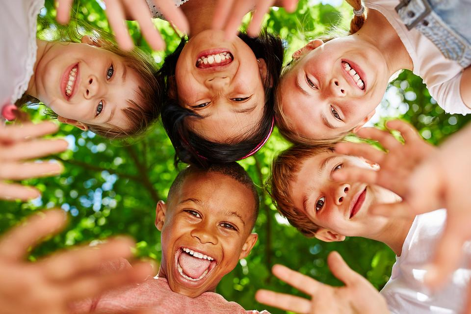 How to Raise Happy, Healthy & Confident Kids: 5 Ways to Connect With Your Children Right Now