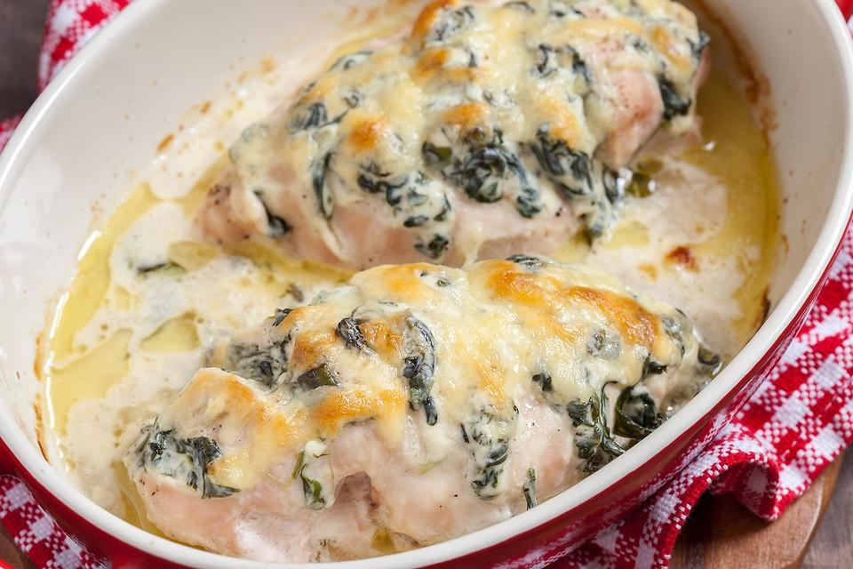 Hasselback Chicken Recipe: This Hasselback Chicken With Spinach & Ricotta Recipe Is Easy to Make