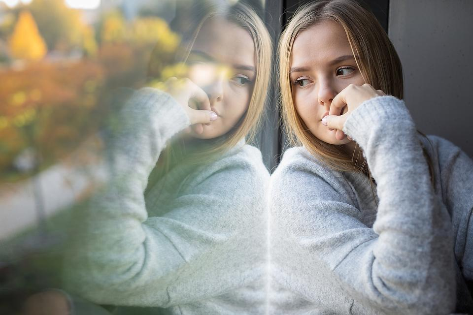 Have Panic Attacks? Here Are 10 Ways to Reduce & Cope With Anxiety