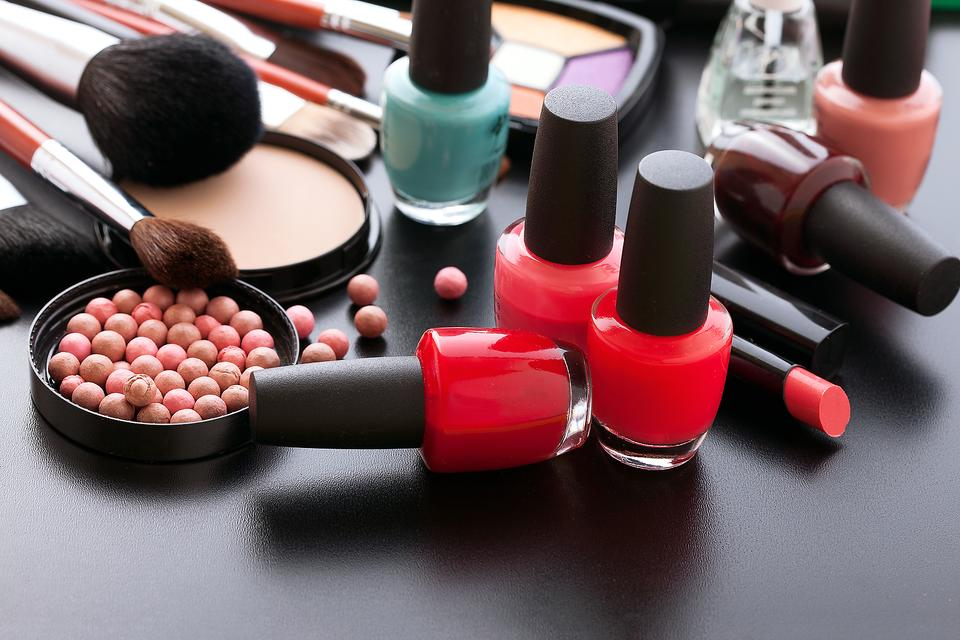 Health Check for Your Makeup Bag: When You Should Toss Cosmetics!