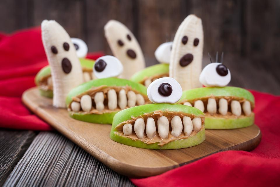 Healthier Halloween: How to Make Fun & Easy Fruit Snacks for Your Kids!