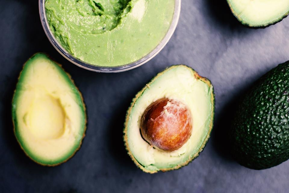 Healthy Avocados May Help You Lose Weight & Snack Less!