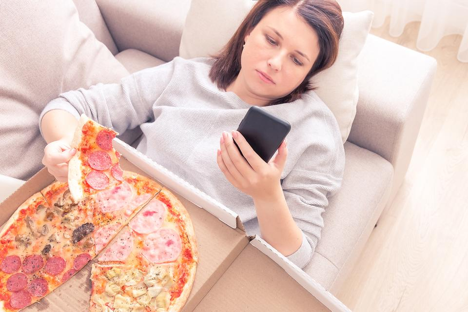 Healthy Eating While Staying at Home: 3 Ways to Curb Stress & Emotional Eating During Coronavirus (COVID-19) Quarantine