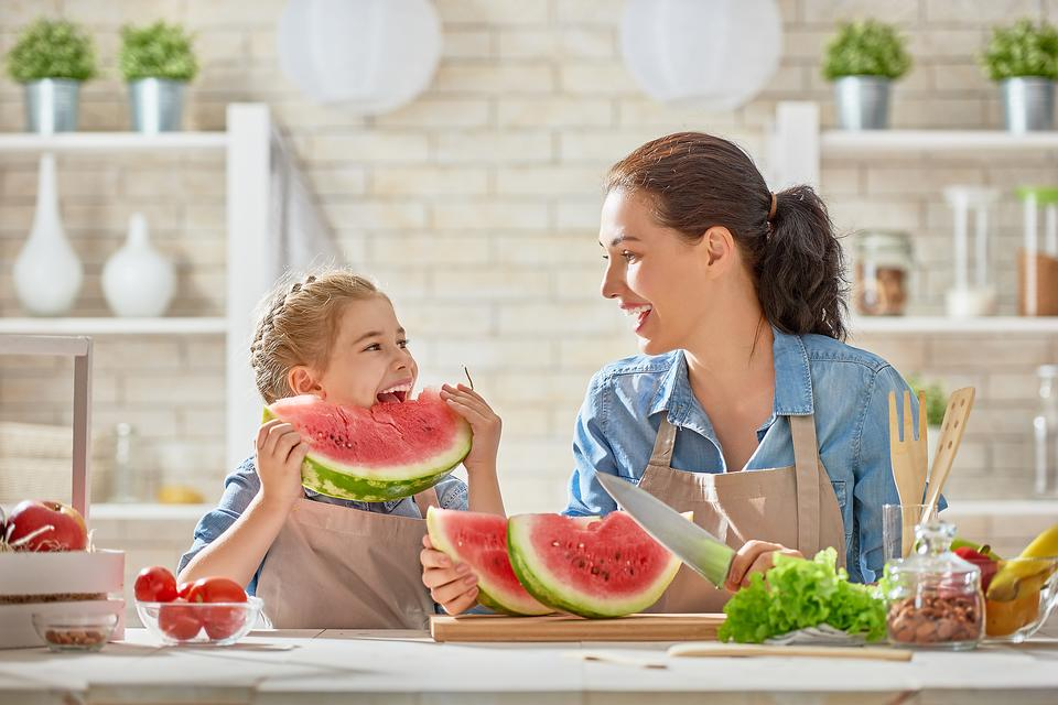 Healthy Snacking for Kids & Adults: 4 Tips to Make the Most of Snack Time