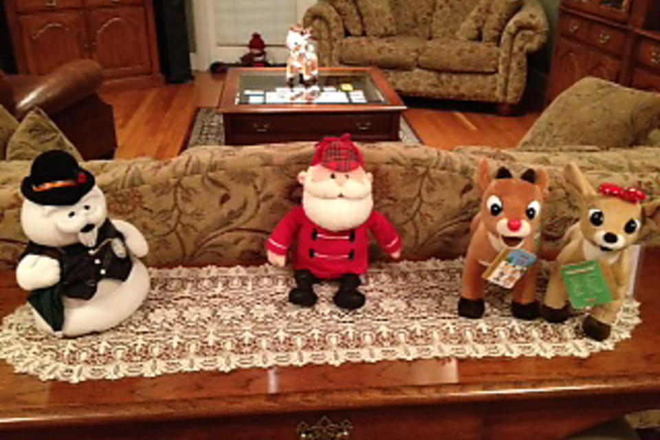 Holiday Traditions: How to Set Up Rudolph & the Misfit Toys!