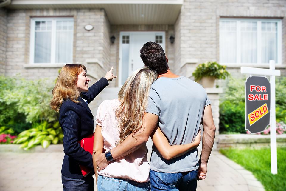 Home-Selling Tips From a Realtor: 5 Simple Ways to Get Your House Ready to Sell!
