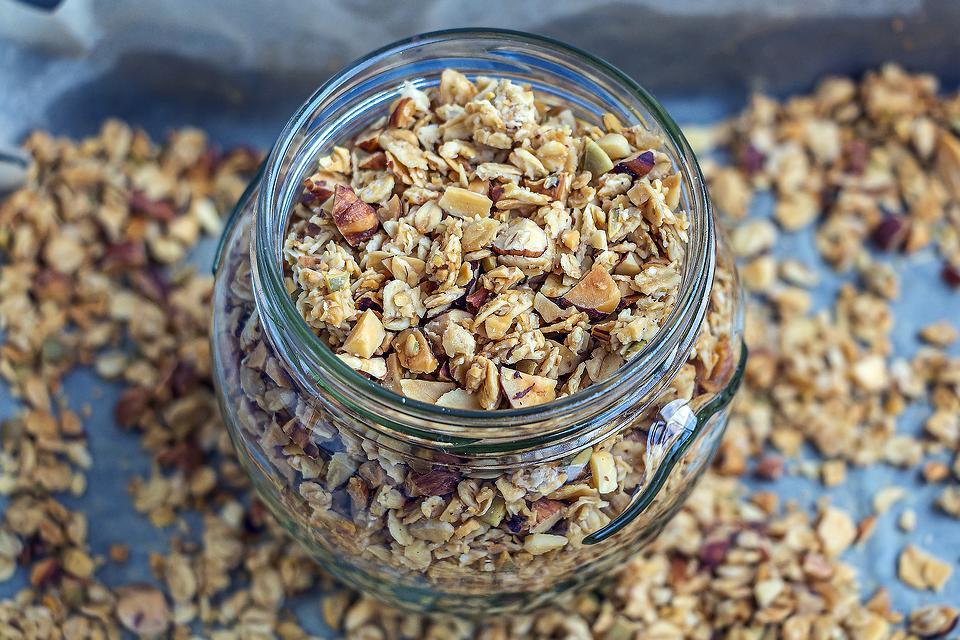 Homemade Granola Recipe: My Family's All-time Favorite Healthy Granola Recipe