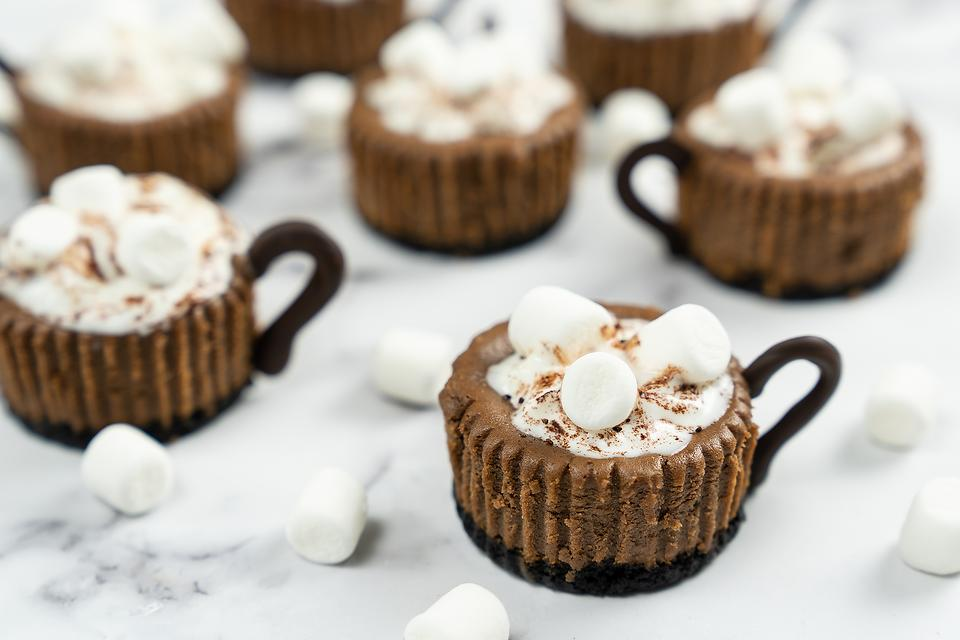 Hot Chocolate Mini Cheesecakes: This Fun Cheesecake Recipe Is Worth Coming Down the Chimney For