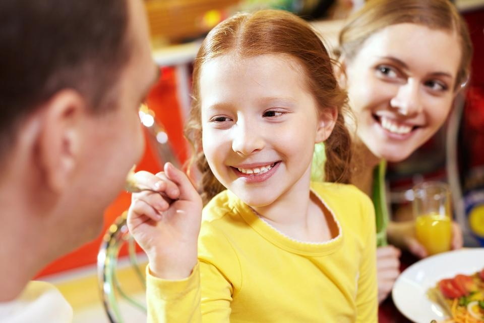 How Role Playing Can Make Eating Out With Your Kids Fun & Enjoyable!