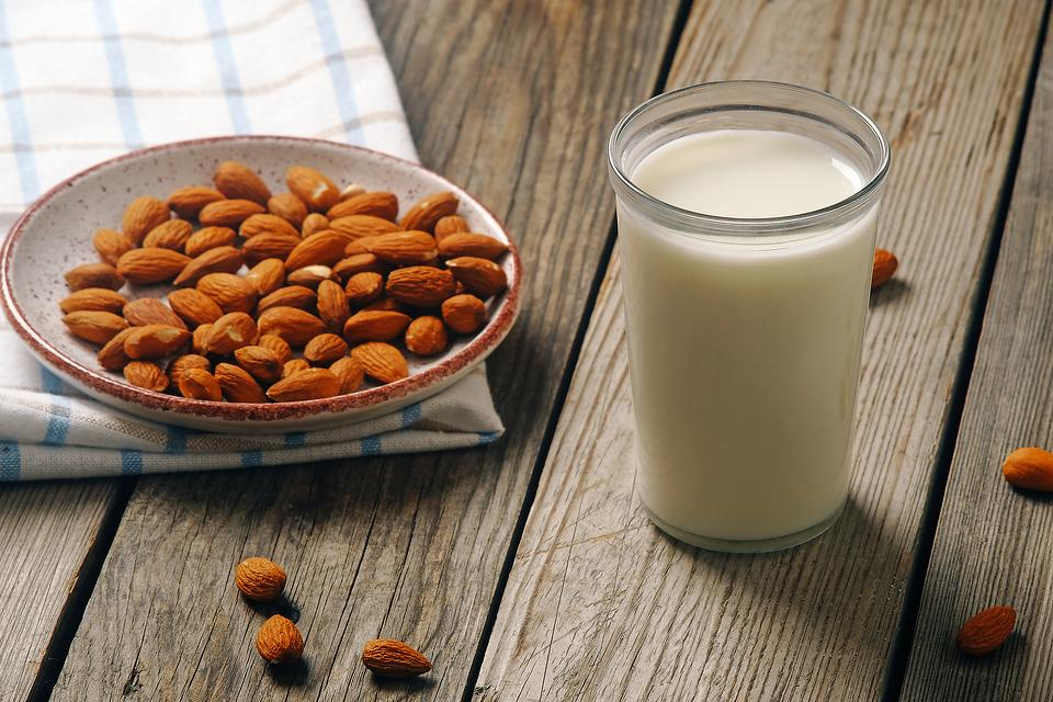 How to Make Nut Milk: This DIY Nut Milk Recipe Is Ready to Drink in 4 Simple Steps