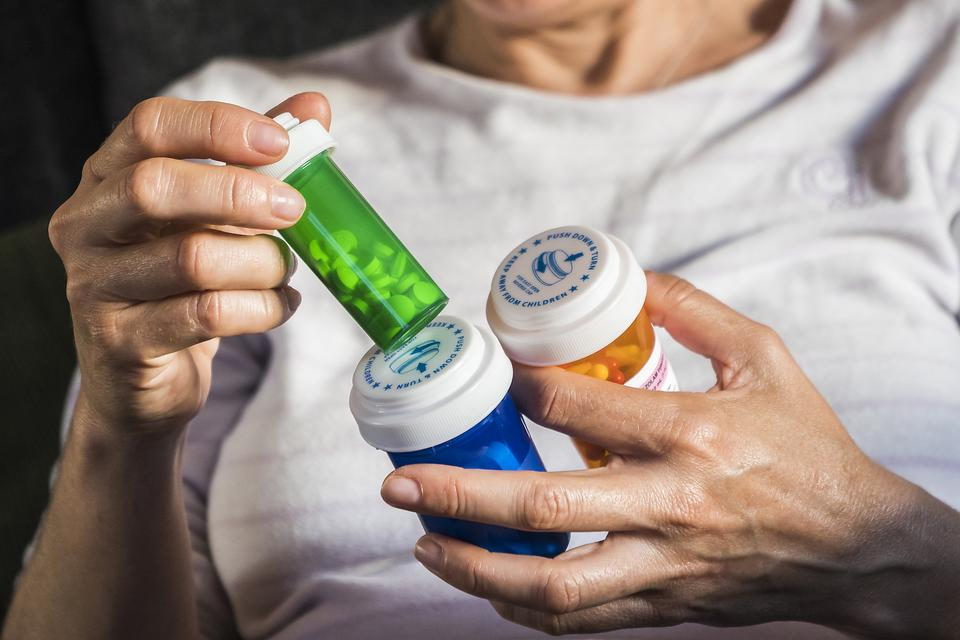 How to Dispose of Prescription Medications: 4 Steps to Safely Clear Out Your Medicine Cabinet
