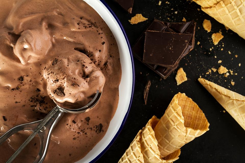How to Make 3-Ingredient No-Churn Chocolate Ice Cream!