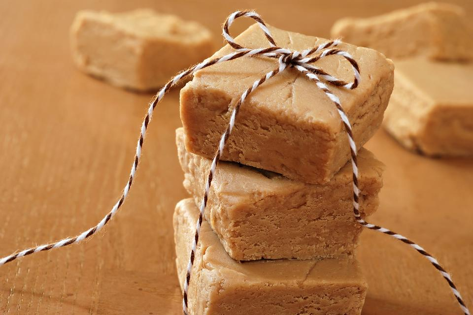 How to Make Creamy Peanut Butter Fudge in Under 15 Minutes!
