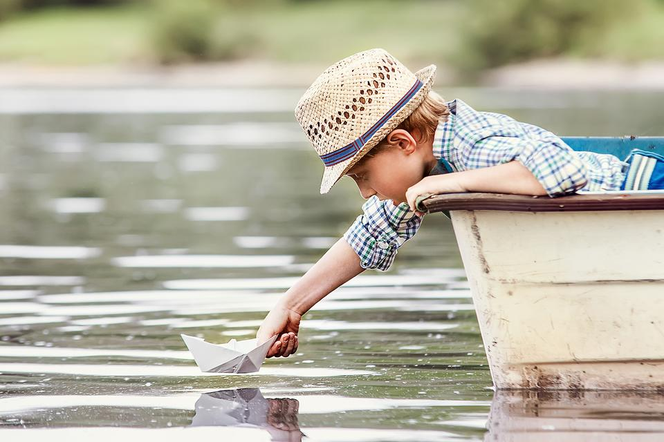 How to Make Fun DIY Bark Boats With Your Kids