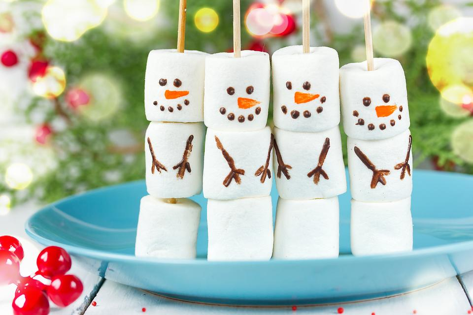 Winter Food Fun: How to Make Easy Kid-Approved Marshmallow Snowmen!