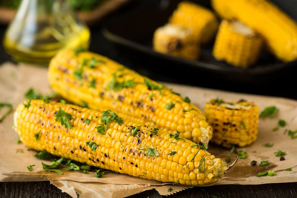 ​Summer Sides: How to Make Grilled Corn With Garlic Cilantro Butter!
