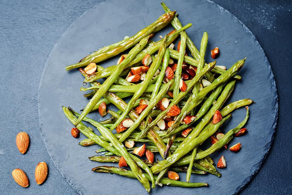 Haricots Verts With Brown Buttered Almonds & Caramelized Onions Are Fancy Pants Green Beans