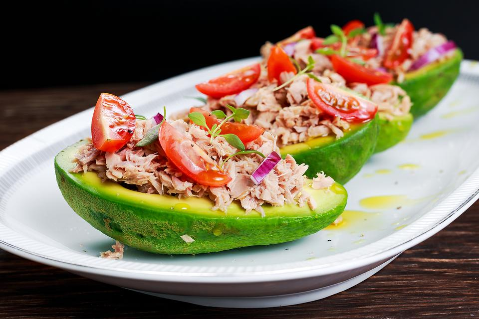 How to Make Healthy Tuna Salad Avocado Boats (Perfect for Lunch)!