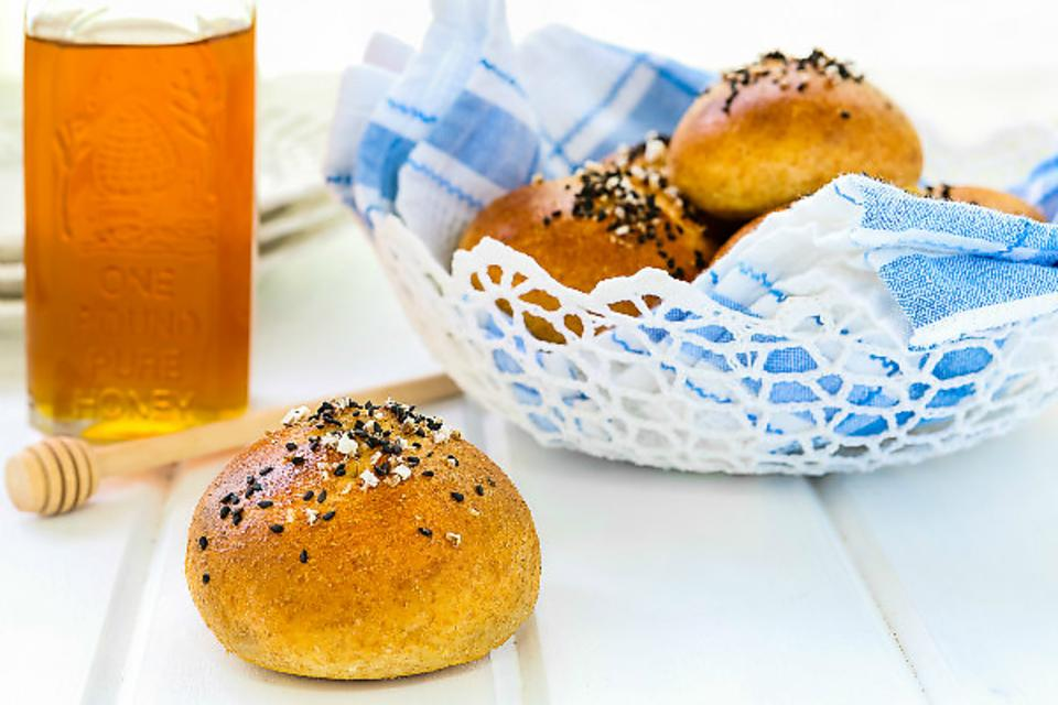 How to Make Honey Wheat Pretzel Rolls (Kid Approved)!