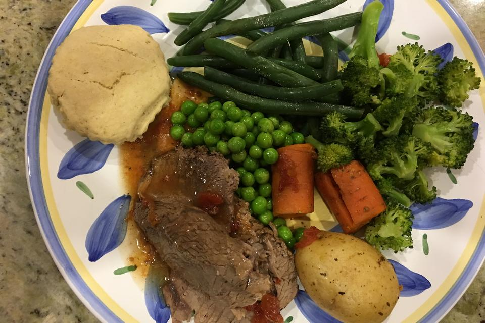 How to Make a Delicious Gluten-free Pot Roast in 5 Easy Steps (Make It Sunday)!