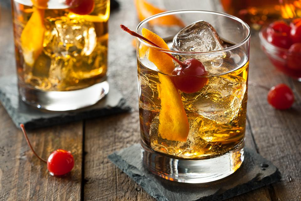 How to Make a Classic Old Fashioned Cocktail (It Dates Back to 1881)!