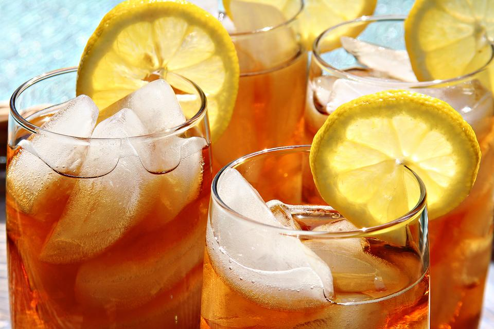 How to Make a Perfect Gallon of Iced Tea (Sweet & Unsweet)!