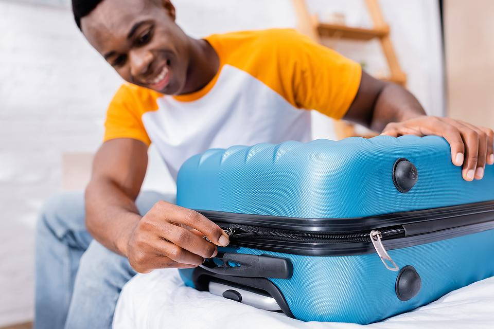 Packing Hacks: How to Pack for a 10-Day Trip With Only a Carry-on (for Real)